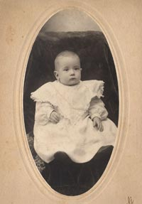 Walter O'Malley, age 2, Thanksgiving 1905