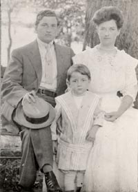 Walter O'Malley (circa 1907) with his parents, Edwin J. and Alma O'Malley.
