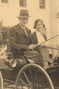 On their honeymoon in 1931, O'Malley, 27, and his bride, Kay Hanson O'Malley, 24, take a carriage ride. The two were childhood friends and neighbors.