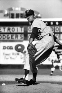 Southern California native Don Drysdale had a chance to come home when the Dodgers moved from New York in 1958.