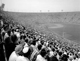 In the Dodgers&#8217; first game in Los Angeles on <span class='nobr'>April 18, 1958,</span> they defeated the San Francisco Giants, 6-5, in front of a major league record crowd of 78,672 fans at the Los Angeles Memorial Coliseum.