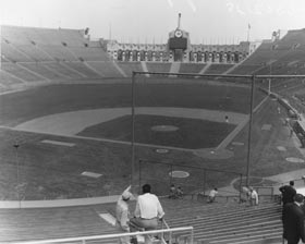 The makeshift baseball dimensions drew criticism from some circles, but the Coliseum's unique features included an outfield wall that was higher than the one at the Polo Grounds.